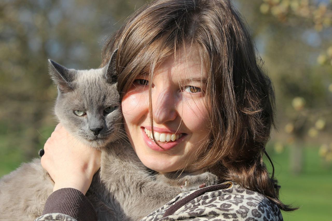 Bild 4 Frau und Katze