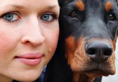 Bild 5 Frau und Hund
