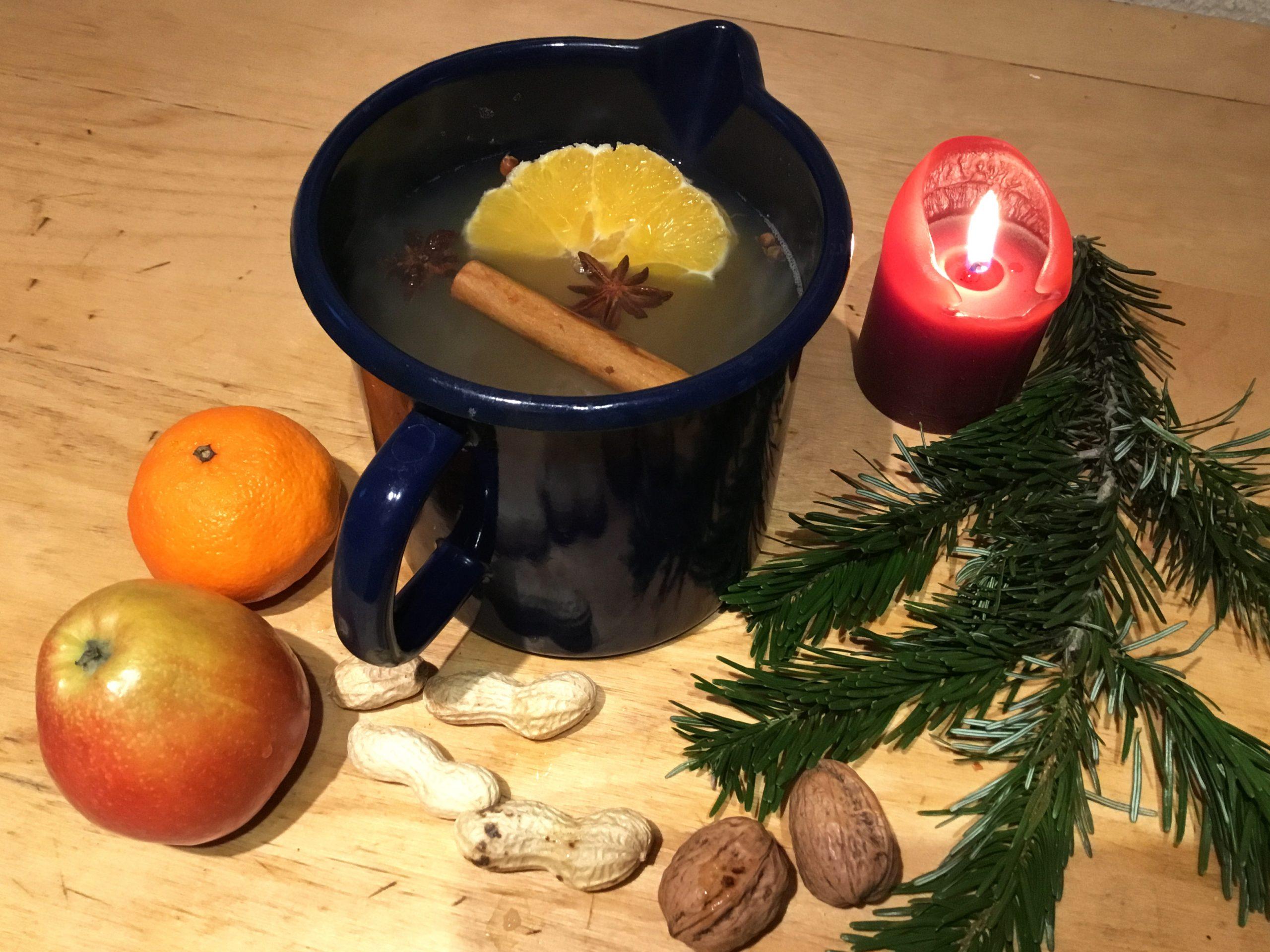 Richtig! Ein leckerer Orangen-Punsch wärmt Dich von innen! ☕🍊